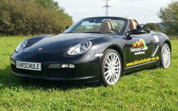Unser Extra: Deine Fahrstunde im Porsche Cabrio!