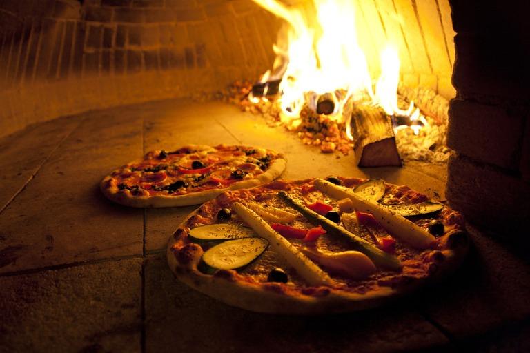 regelmäßiges Pizza essen nach dem theoretischen Unterricht